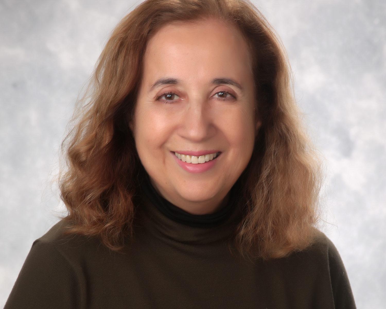Dr. Flavia Jung
